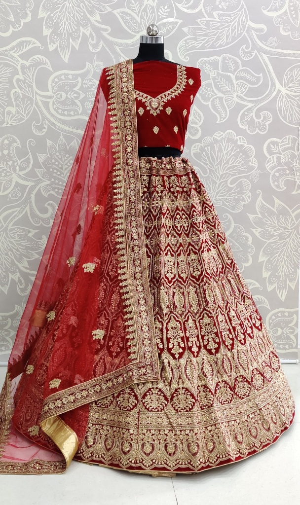 Your D-Day With This Heavy Designer Lehenga Choli